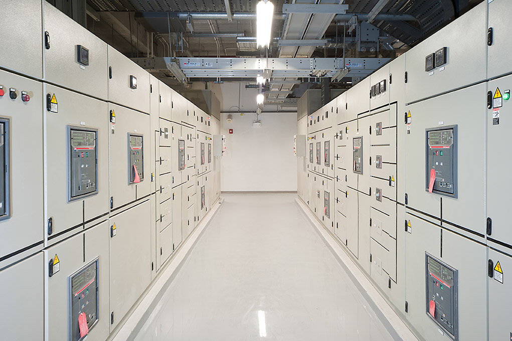 fastnet service facility management - cdp-cassa-depositi - Switchgear in the electrical room.